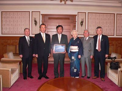 小川知事と記念写真.jpg
