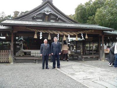 宗像大社拝殿前で.JPG