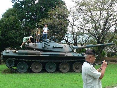 ⑧61式戦車.JPG