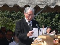 ⑤祭詞奏上菅原偕行会会長拡大.jpg